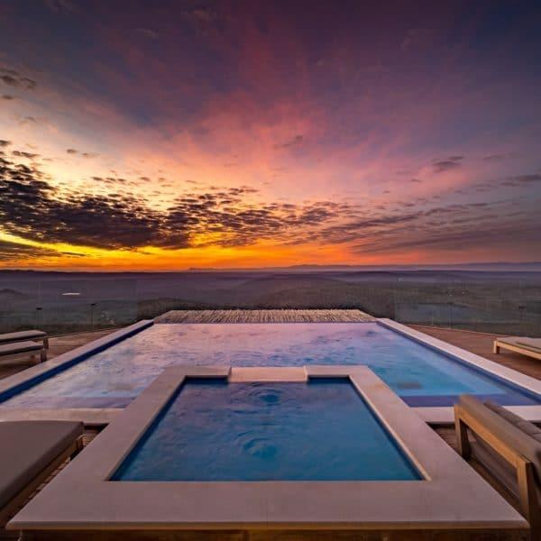 Sky-lodge-pool-sunset-600x600